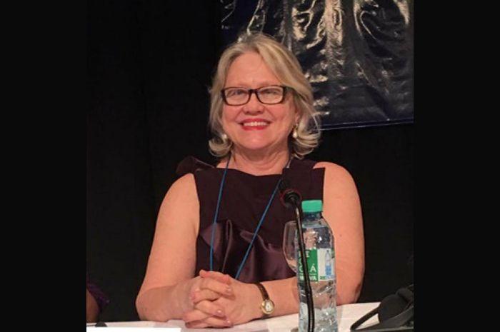 Dra. Claudia Lucia Borensztejn